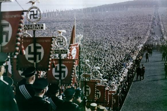 faşizm-II.jpg