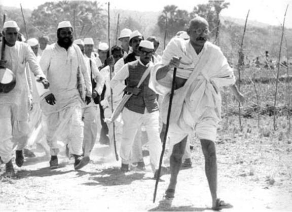 gandhi - sivil itaatsizlik