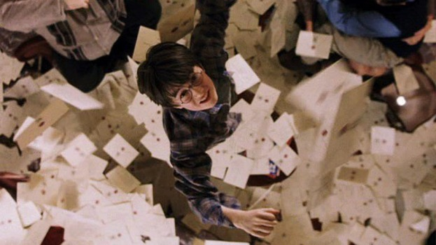 harry_potter_catching_letter
